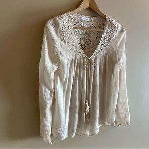 Blu Pepper lace blouse SIZE S